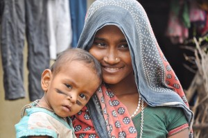 Image of mother and baby in Manpur village